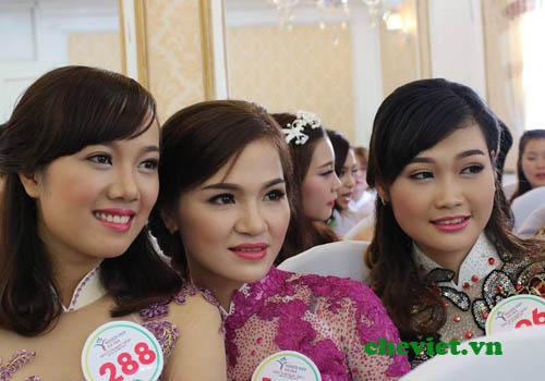Sơ khảo cuộc thi người đẹp xứ trà 2015