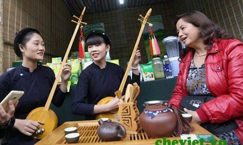 Nghệ thuật uống trà của người Việt