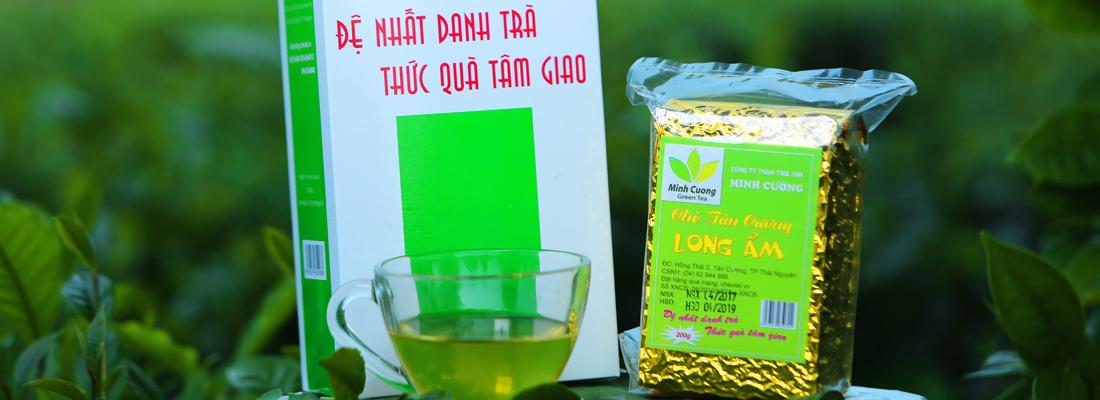Tách trà Tân Cương thơm ngon