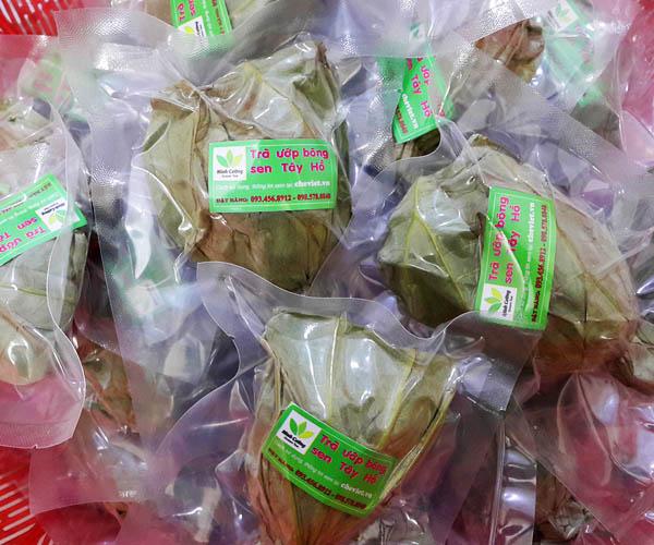 sản phẩm trà ướp hoa sen Hồ Tây