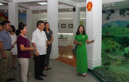 Chè Tân Cương đón Ban Đối ngoại Trung ương đến thăm