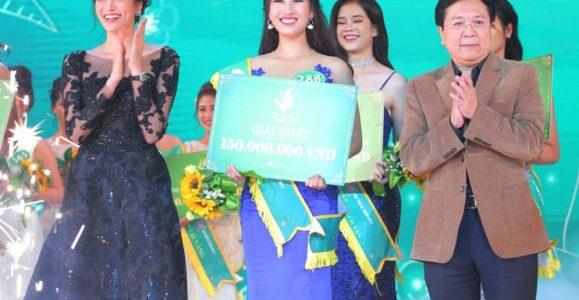 Nguyễn Dương Tiểu Vy đăng quang người đẹp xứ trà 2017